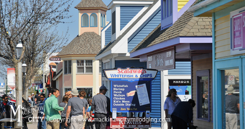 Mackinaw City Shopping | Where to Shop in Mackinaw City | Best Places to Shop
